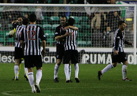 Celebrations at the end: Hibs 0 Dunfermline 1